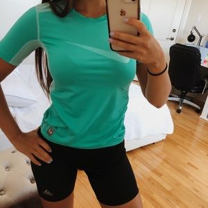 NIKE LIGHT BLUE/GREEN SPORT TEE XS